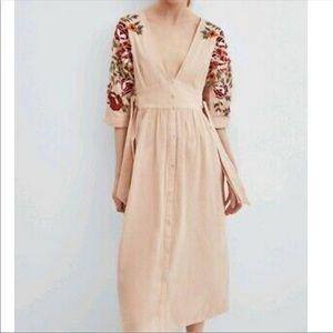 Zara embroidered midi dress S